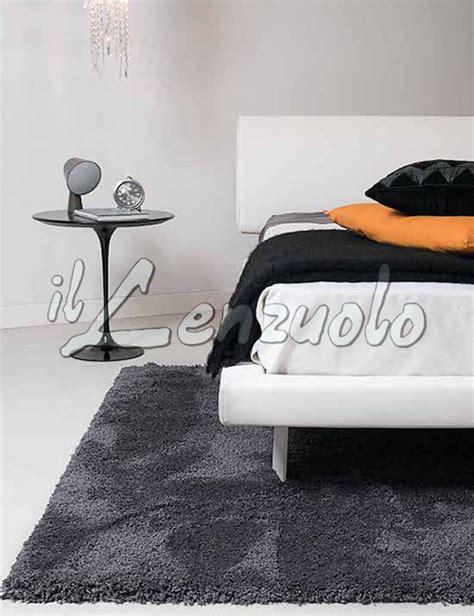 tappeti camere da letto tappeto da letto agathe cm 120 215 170 by kobel