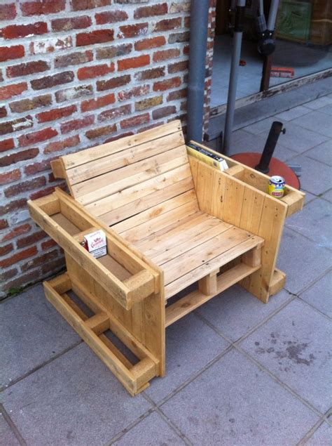 pallet benches pinterest 17 best ideas about pallet benches on pinterest pallet