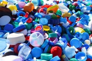 collecte de bouchons plastiques