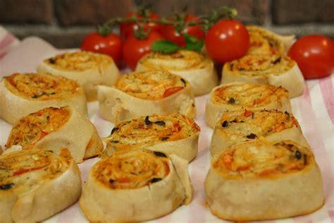 canap駸 entr馥s froides recette facile de pizza rolls ap 233 ritif