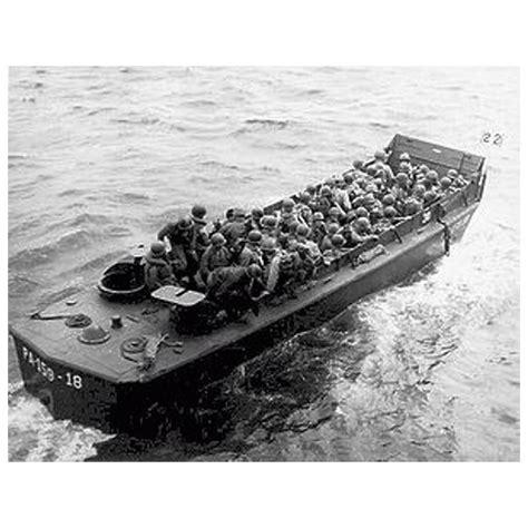 italeri higgins boat lcvp with us infantry d day italeri 6524 1 35 232 me maquette
