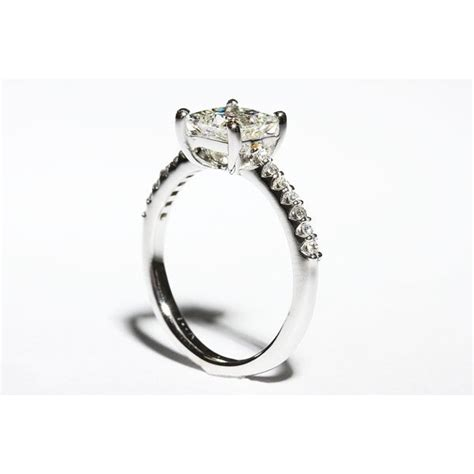 835324 low set princess cut engagement ring