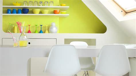 cerahkan rumah   kuning hijau  cerah cat
