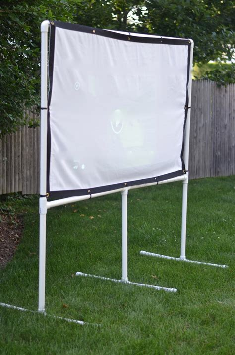 backyard projector screen diy diy backyard movie screen ciburbanity