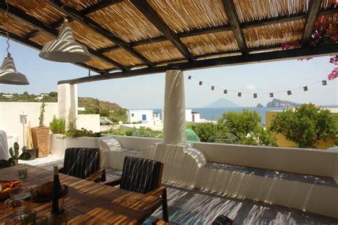 terrazzo o terrazza casa di panarea mediterraneo terrazza di