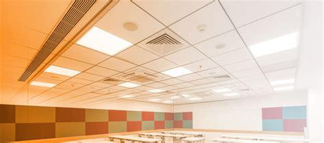 pannelli in fibra minerale per controsoffitti soluzioni acustiche per controsoffitti e pareti knauf amf