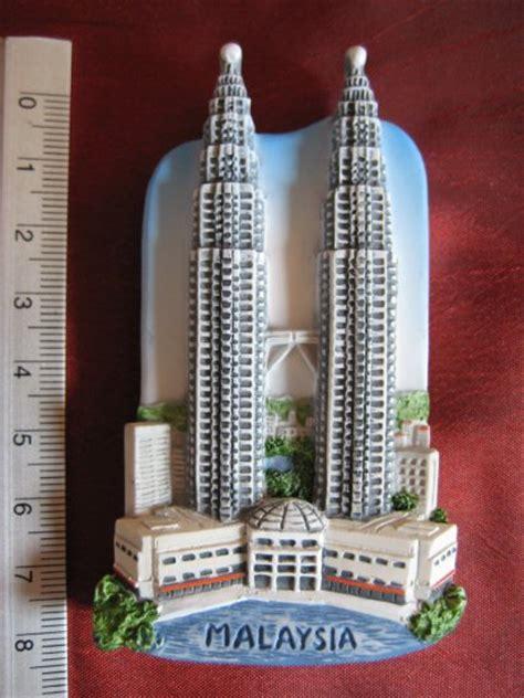 Pajangan Petronas Souvenirs Dari Malaysia petronas towers malaysia asia souvenir landmarks resin 3d fridge magnet