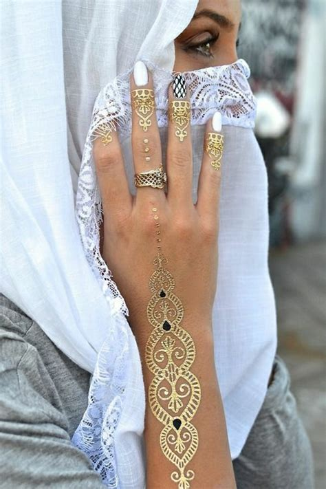 golden hand tattoo ubud henna muster auf 59 handgemachten kunstwerken archzine net