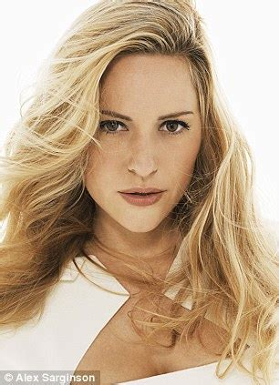 modelsin their thirties meet aimee mullins the model actress and olympic athlete