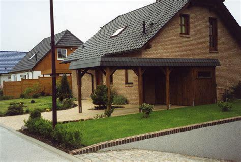 Haus Mit Carport Und Garage by Carport Am Haus Referenzen Carports Holz Carport Und