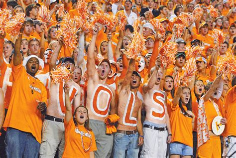 what football team has the most fans the 3 most delusional football fan bases in the sec