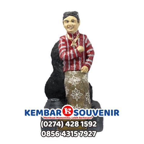Harga Miniatur Orang Orangan by Miniatur Patung Orang Jasa Pembuatan Patung Fiber Di Jakarta