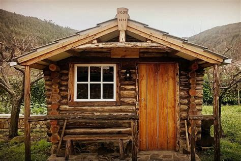 cost to build a small cabin 18 small cabins you can diy or buy for 300 and up