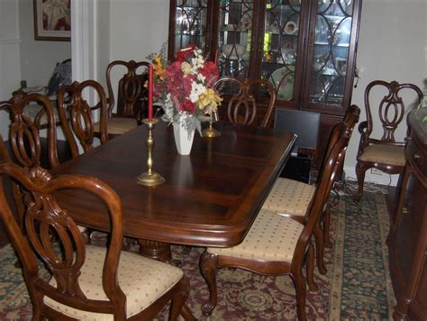 thomasville dining room set table 8 chairs 2 leaves