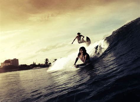 beautiful surfing destinations   world