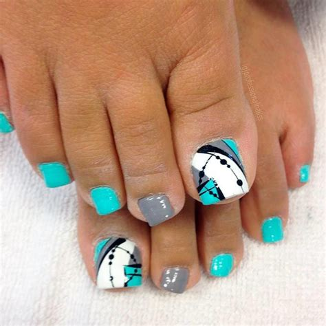 Painting 6 Month Toenails by Best 25 Summer Toe Nails Ideas On Summer Toe