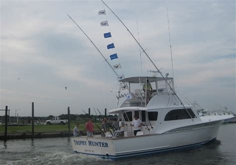 fishing boat charters outer banks rates book trophy hunter charters
