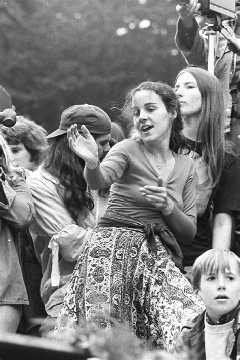 Girl dancing | Grateful Dead