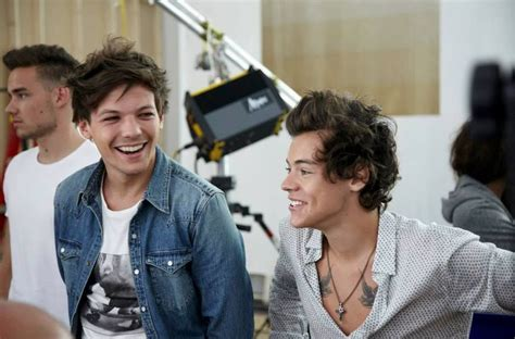 louis tomlinson larry this is my part 2 larry stylinson a media phenomenon
