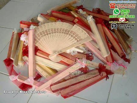 Souvenir Kipas Cendana Kipas Jepang kipas cendana souvenir kipas kayu wangi cendana