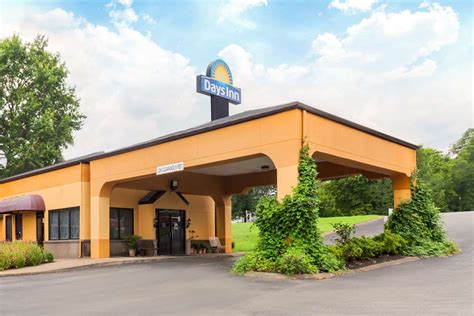 College Crib Nashville Tn by Days Inn Columbia Columbia Tennessee Tn