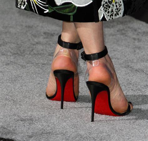 celebrity feet heels emilia clarke celebrity foot and shoes