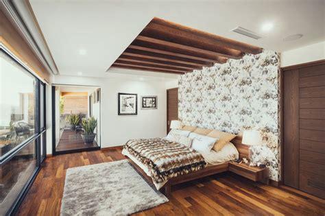 Floor To Ceiling Headboard Diy by 25 Fabulous Bedroom Ideas For Floor To Ceiling Headboards