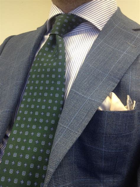 pattern shirt with tie on pattern coordination between jacket shirt tie