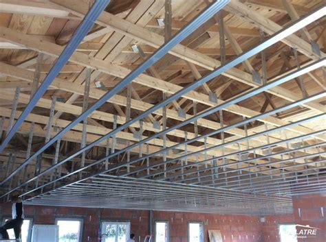 sous plafond plafonds suspendus faux plafonds ou plafonnettes en brique