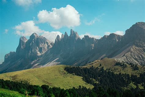dolomite mountains the dolomiti dolomite mountains fortport