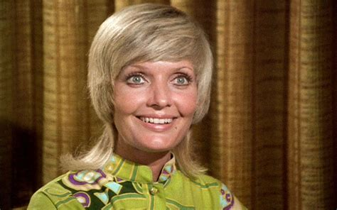 florence henderson new haircut florence henderson carol brady of the brady bunch