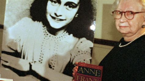 biography of anne frank in hiding anne frank quotes about hiding quotesgram