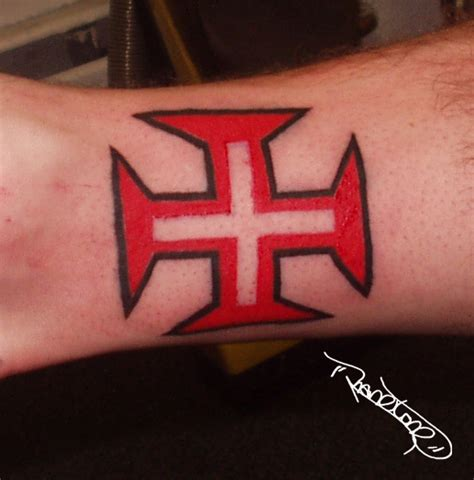tattoo red cross red cross tattoo picture