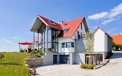 glasfront haus einfamilienhaus mit zwerchgiebel und glasfront albert haus