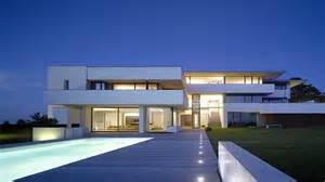 awesome modern houses amazing modern house awesome modern house large modern