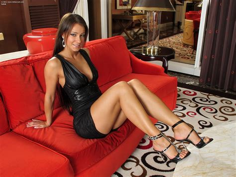 hot in sofa image melisa mendiny sexy brunette girl girls legs couch