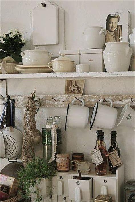 mensole stile provenzale consigli per mensole shabby chic in legno arredamento