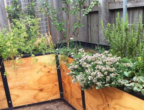 vegetable gardens in small spaces small spaces garden design