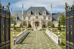 Chandeliers Atlanta 32m Texas Mansion Has Waterpark In Ground Trampoline In