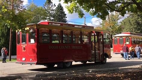 Door County Trolley Tours by Tour Guide At The Noble House One Of The Stops Picture