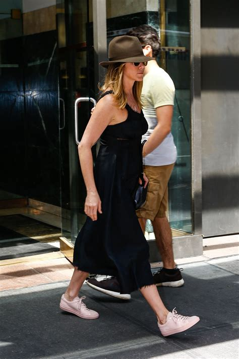 jennifer aniston casual jennifer aniston casual style out in new york city 6 27 2016