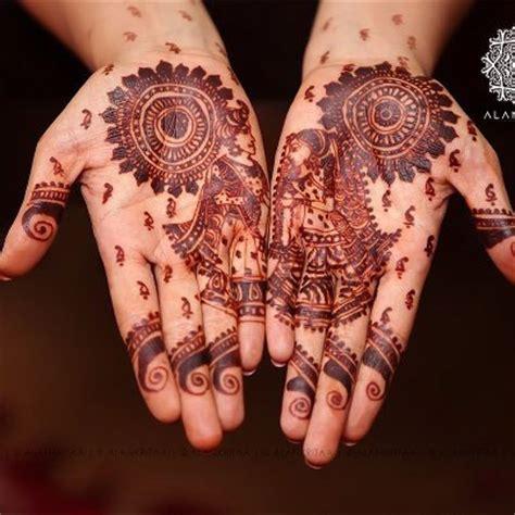Latest Mehendi Designs For Hands!   Heart Bows & Makeup