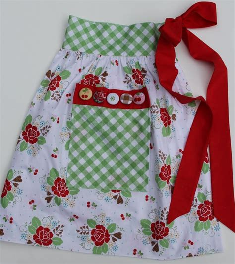 sewing bee apron bee in my bonnet one yard apron patterns sewing