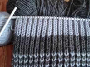 как связать шарф с двумя спицами видео
