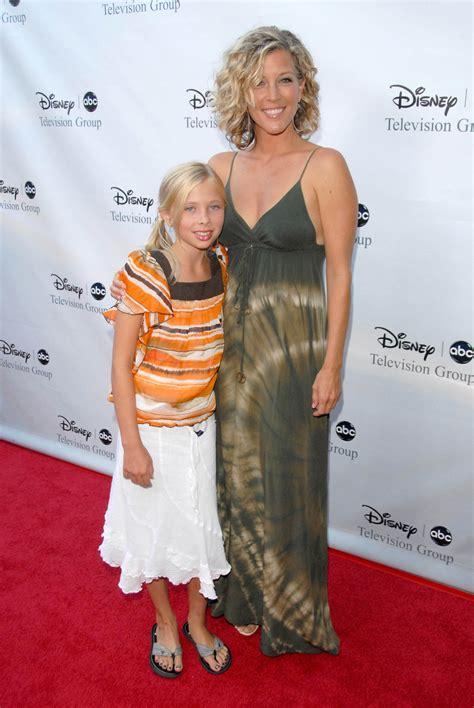 Laura Wrights Daughter Lauren Wright   laura wright