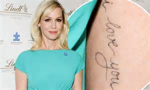 jennie garth tattoos jennie garth gets new i you inked on