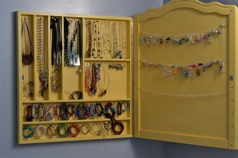 Handmade Jewelry Display Ideas - peacock tres chic handmade jewelry display by infarrantly