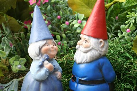 garden gnomes garden gnomes couple concrete fairy garden art
