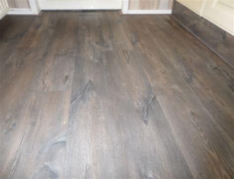 laminaat leggen praxis laminaat vloer leggen quick step voordemakers nl