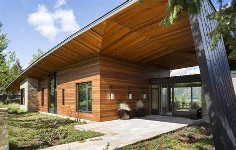 casa madera moderna dise 241 o de moderna casa de co en madera y piedra